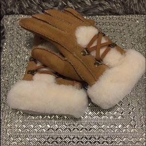 UGG Sheep Skin Gloves